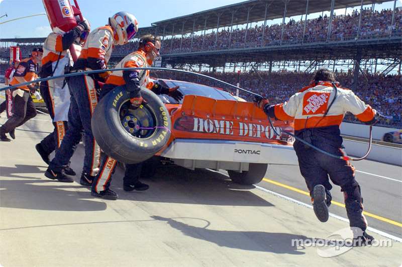 Pitstop for Tony Stewart