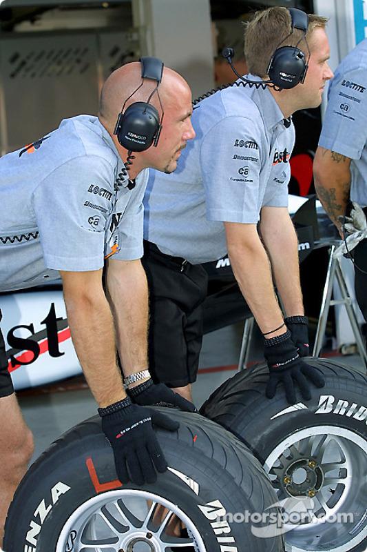 Team McLaren practicing pit stops