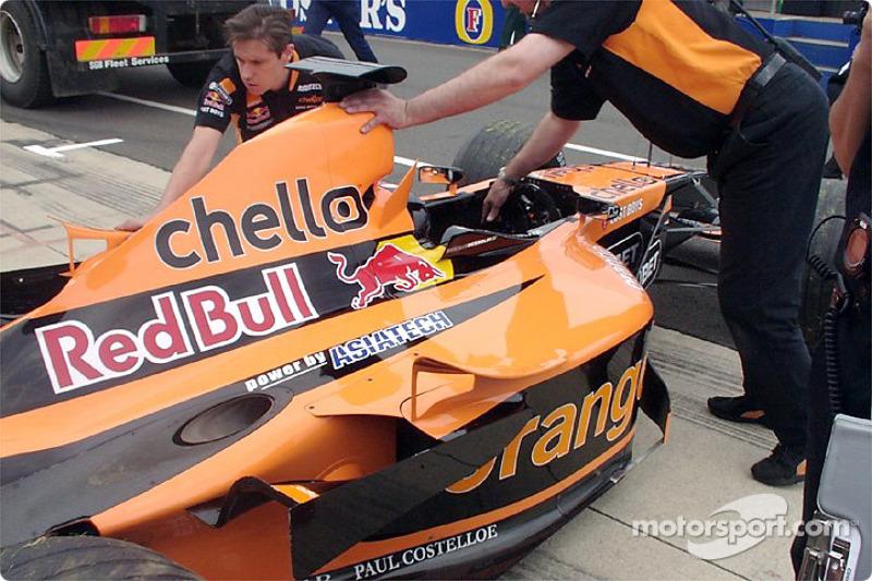 Arrows garage