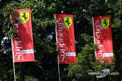 Banderas de los aficionados de Ferrari