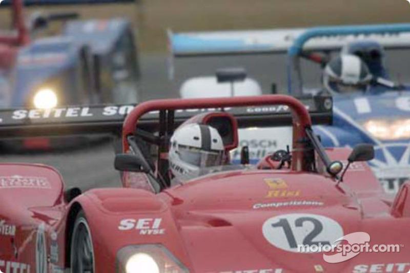 The Risi Competizione Ferrari 333SP leads a pack of SRP entries