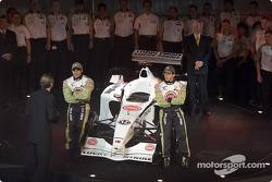 Jacques Villeneuve y Olivier Panis con el nuevo BAR Honda 004