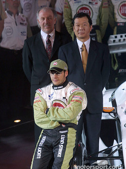 Jacques Villeneuve avec David Richards et Toru Ogawa