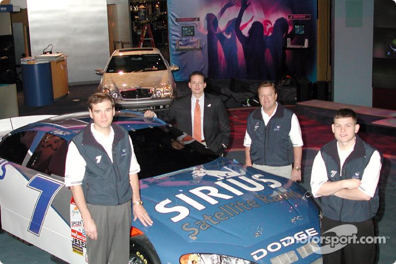 Présentation Evernham Motorsports/Ultra Motorsports/Sirius Satellite Radio N°7, voiture de Winston C