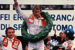 Podium: Sieger Jean-Pierre Jabouille, Renault; 2. Gilles Villeneuve, Ferrari; 3. René Arnoux, Renaul