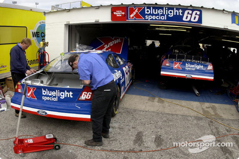 Owner Travis Carter will have his own Bluelight Special selling quarter panel space since Kmart filed for chapter 11 and will no longer be on the cars after February's races