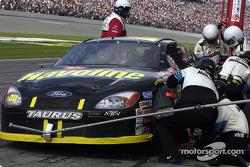 La temporada 2002 de NASCAR verá a todos los miembros de equio y oficiales de NASCAR que rebasen el