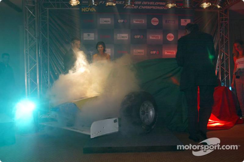 Unveiling the Renault Junior Team Super Nova Lola B2/50