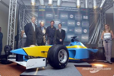 Présentation du Renault Junior Team Super Nova