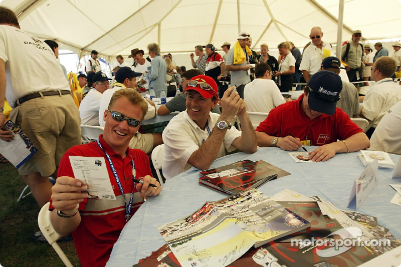 Johnny Herbert, Rinaldo Capello and Christian Pescatori during the autograph session