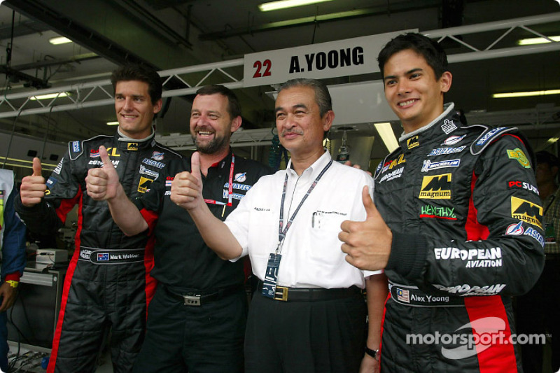 Mark Webber, Paul Stoddart,le roi de Malaisie et Alex Yoong