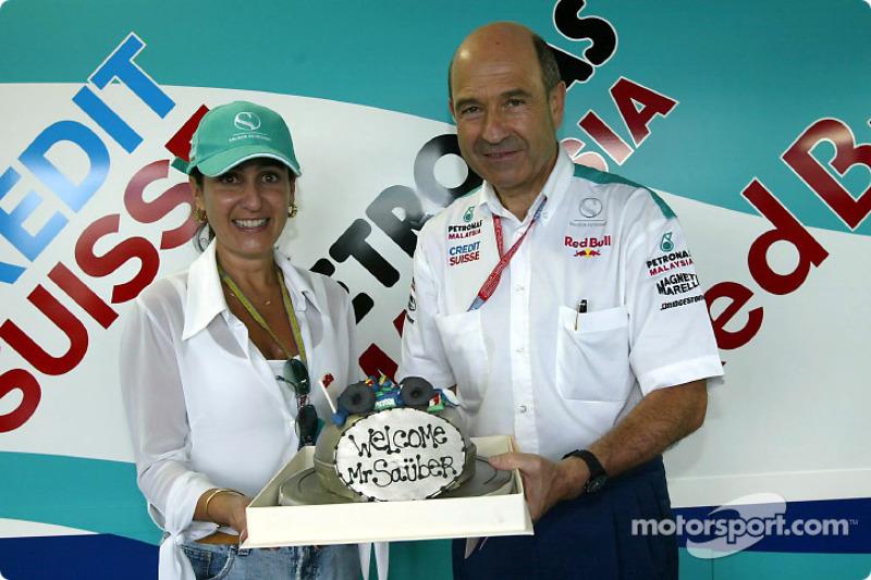 Un pastel para Peter Sauber