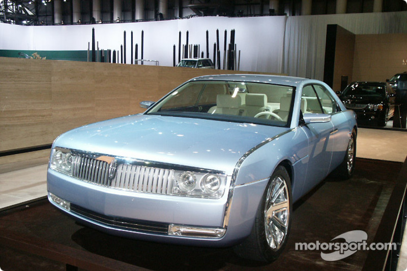 Lincoln Continental concept at New York International Auto Show ...