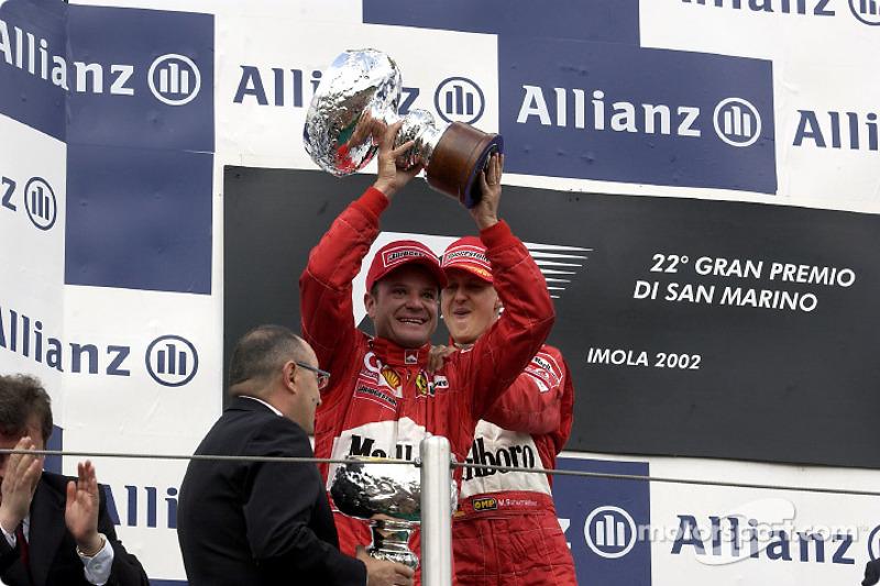 El podio: Rubens Barrichello y Michael Schumacher