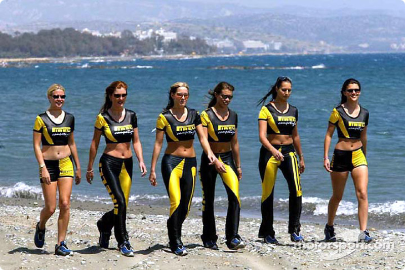 Las encantadoras chicas Pirelli