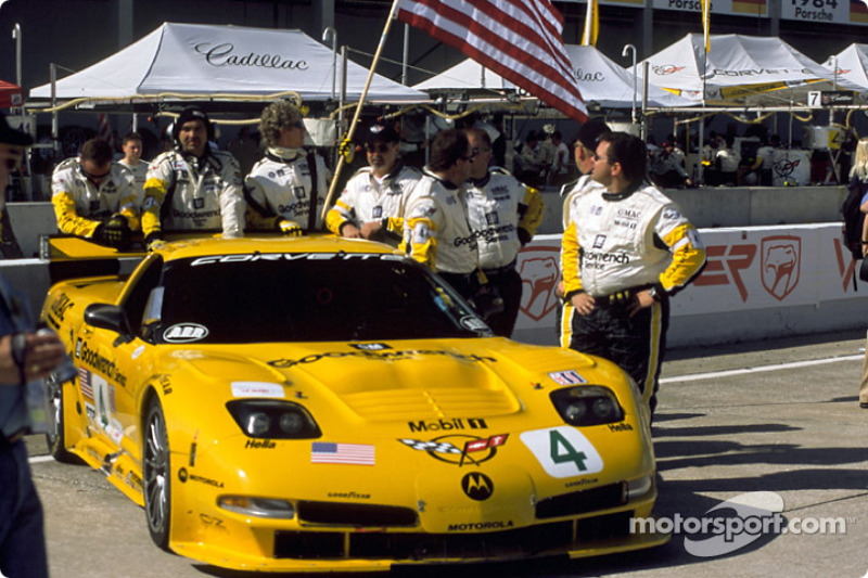 Team Corvette on the grid