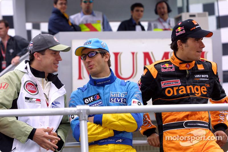 Desfile de pilotos: Olivier Panis, Jarno Trulli y Enrique Bernoldi