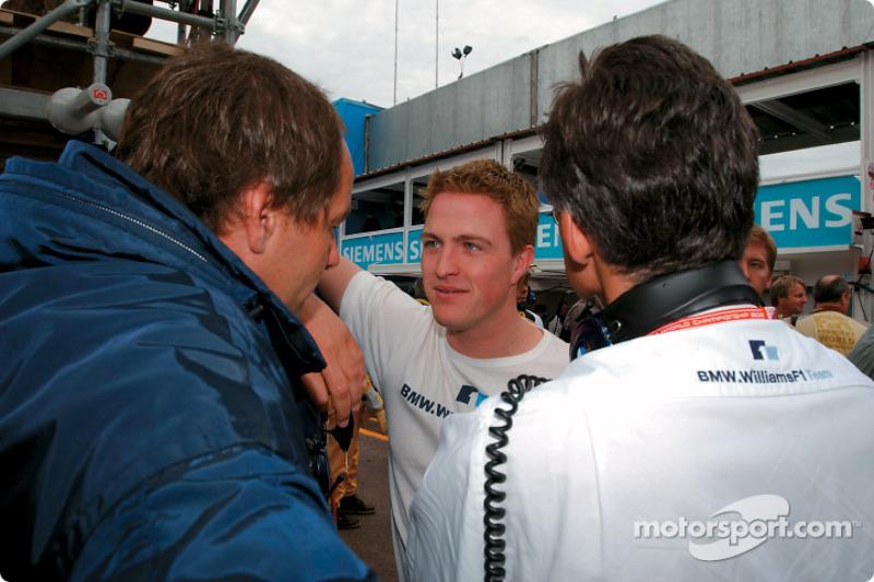 Ralf Schumacher hablando con Gerhard Berger