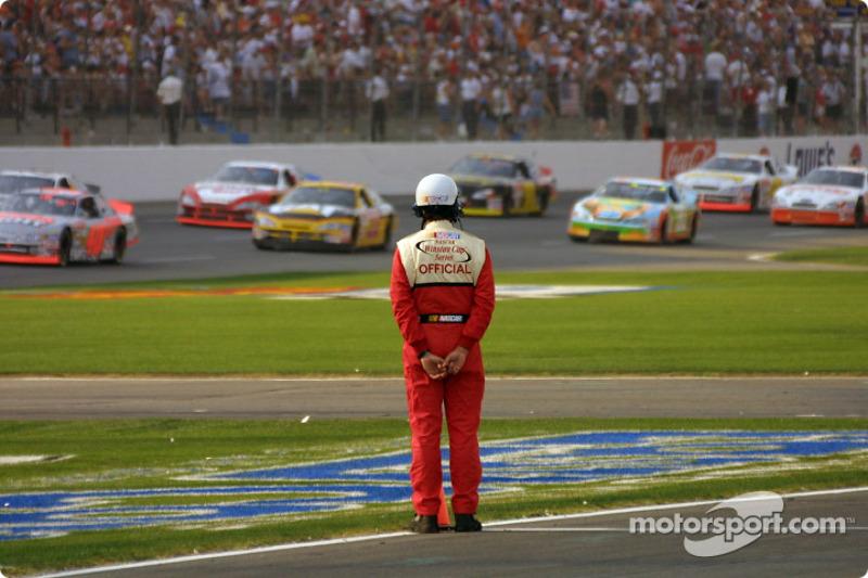 NASCAR mantiene un ojo vigilante