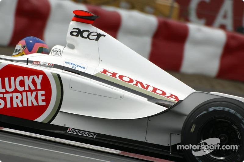 Lección de como tomar una curva con Jacques Villeneuve en la curva Senna: parte 5