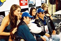 The girl group Soluna and the Blues Brothers (Jim Belushi and Dan Akroyd)