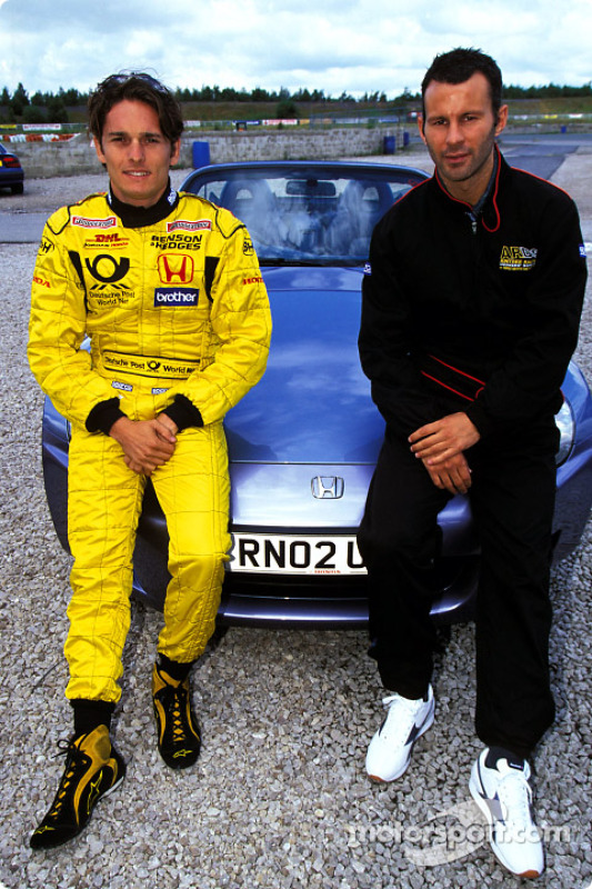 Giancarlo Fisichella and Manchester United's Ryan Giggs