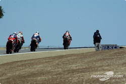 Colin leads them into Turn 6