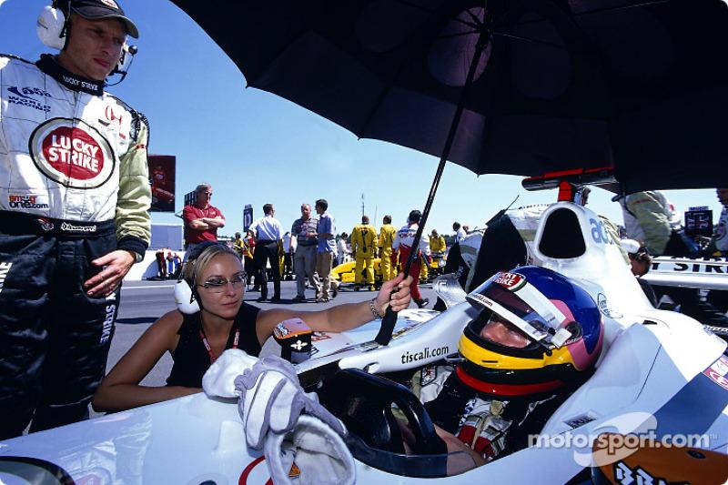 Jacques Villeneuve sur la grille de départ