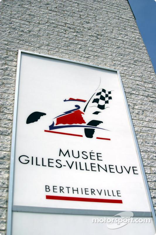 Visite au musée Gilles Villeneuve à Berthierville sur le chemin des Trois-Rivières