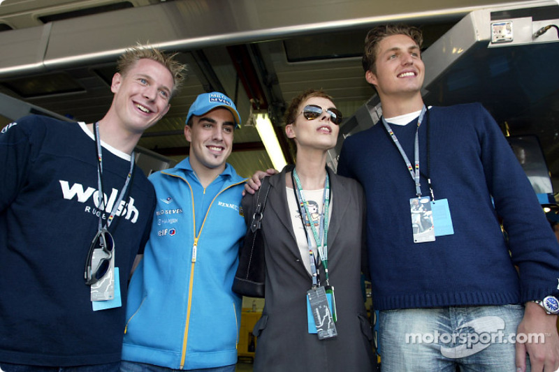 Fernando Alonso with singer Lisa Stansfield, swimmer Pieter van den Hoogenband and Dutch Speed Skate