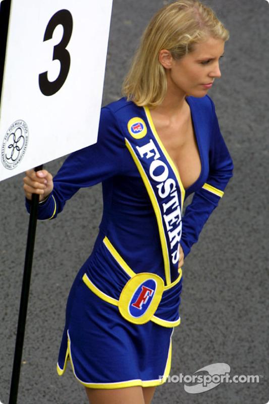 Chica de parrilla de la F3000