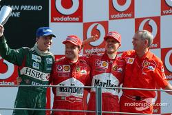 Подиум: победитель Рубенс Баррикелло с Михаэлем Шумахером и Эдди Ирвайном