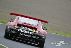 Porsche 911GT3R (GT300), Atsushi Yogo, Kazuyuki Nishizawa