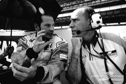Jacques Villeneuve y Jock Clear