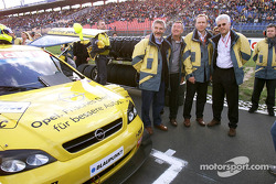 Opel executives on the starting grid