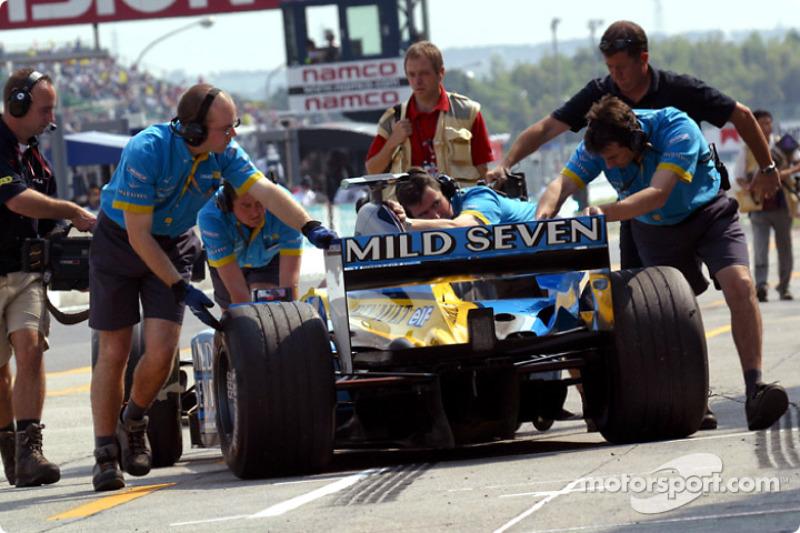 Jarno Trulli back in the garage