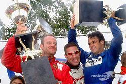 Los ganadores de la carrera, Rubens Barrichello, Tony Kanaan y Felipe Massa