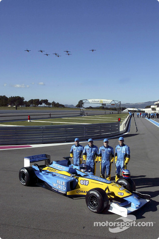 Jarno Trulli, Fernando Alonso, Allan McNish, Franck Montagny and a French air force flyover