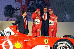 Лука ди Монтеземоло, Жан Тодт, Михаэль шумахер и Рубенс Баррикело, Ferrari F2003-G