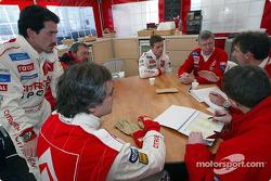 Junta en Citroën Sport con Sébastien Loeb, Carlos Sainz y Jean-Claude Vaucard