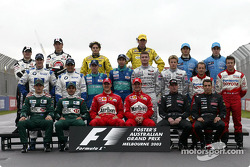 Photo de groupe de la saison 2003 du championnat du monde de F1