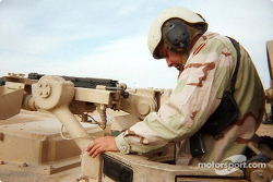 Jerry Nadeau visita a las tropas estadounidenses en Afghanistan