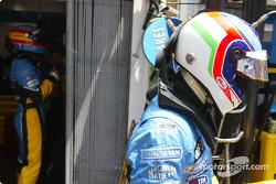 Fernando Alonso and Jarno Trulli get ready