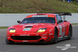 la Ferrari 550 Maranello n°80 de l'équipe Prodrive Racing pilotée par Jan Magnussen, David Brabham
