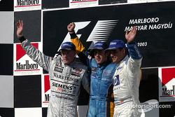 Podio: ganador Fernando Alonso, Kimi Raikkonen el segundo lugar y tercer lugar Juan Pablo Montoya