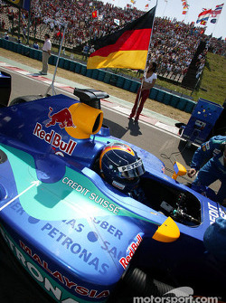 Heinz-Harald Frentzen on starting grid