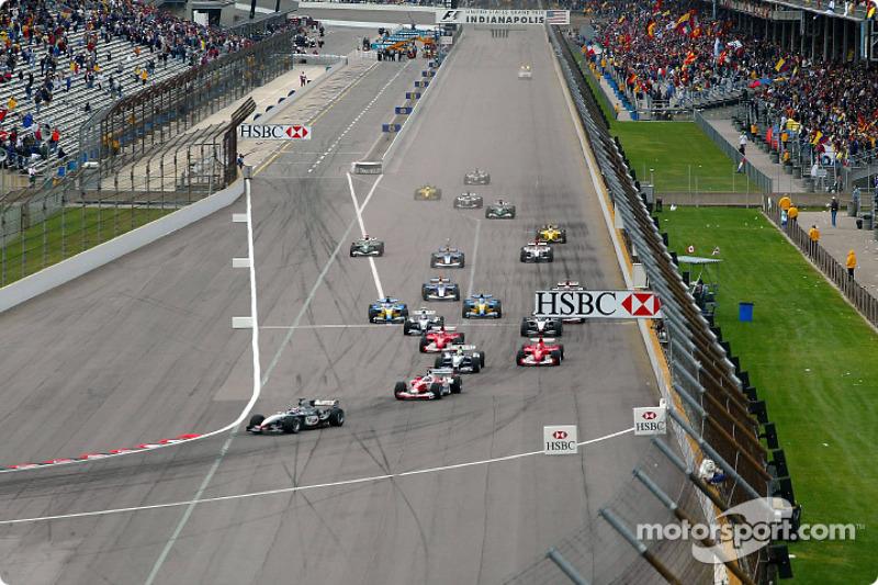 Arrancada: Kimi Raikkonen líder