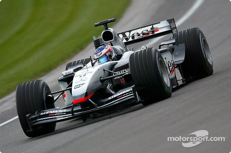 McLaren MP4-17D, à moteur Mercedes (2003)