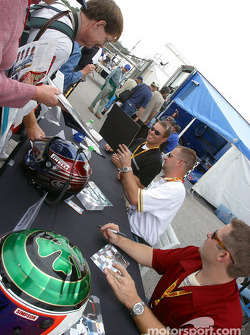 Autograph session: Andrew Davis, Jason Workman and Scott Bradley,
