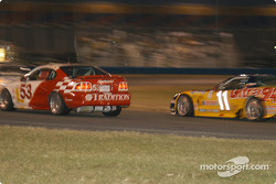 #53 TF Racing / Max Q Mustang Cobra R: Emil Assentato, Nick Longhi, et #11 Powell Motorsport Corvette Z06: Devon Powell, Doug Goad